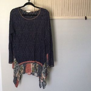 Oddy size XL navy blue tunic w/ floral detail